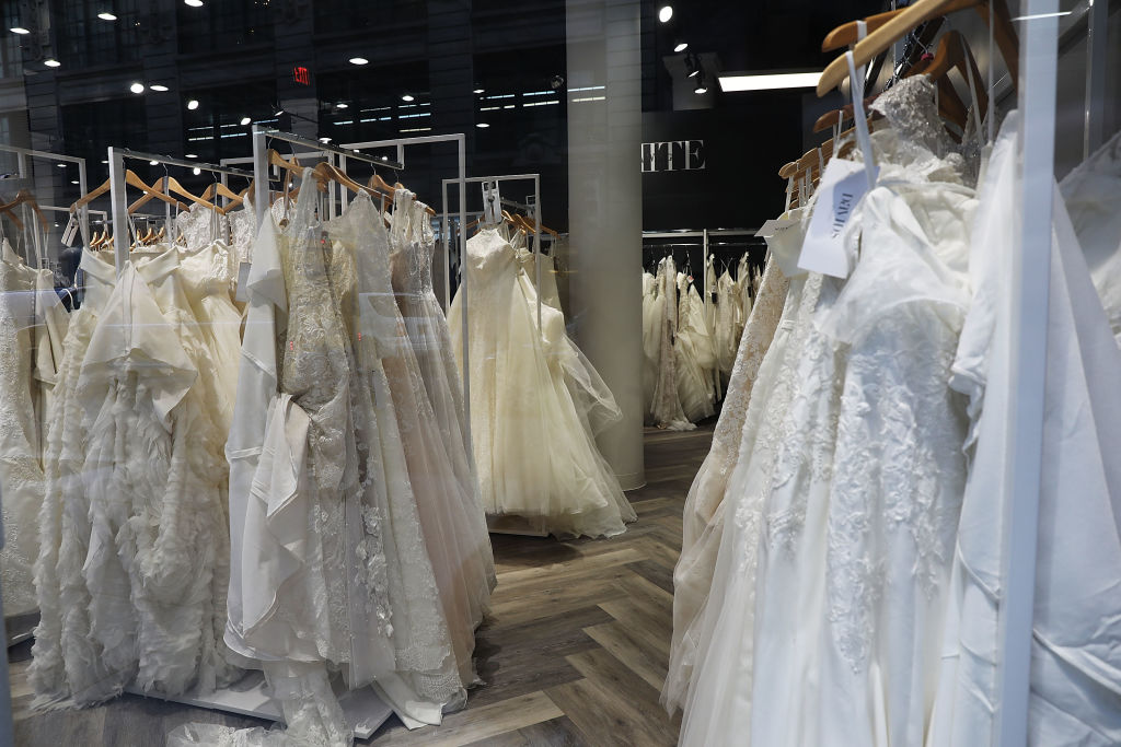 3d5e12c7955 Mom has warning for those seeking discounted bridal gowns online