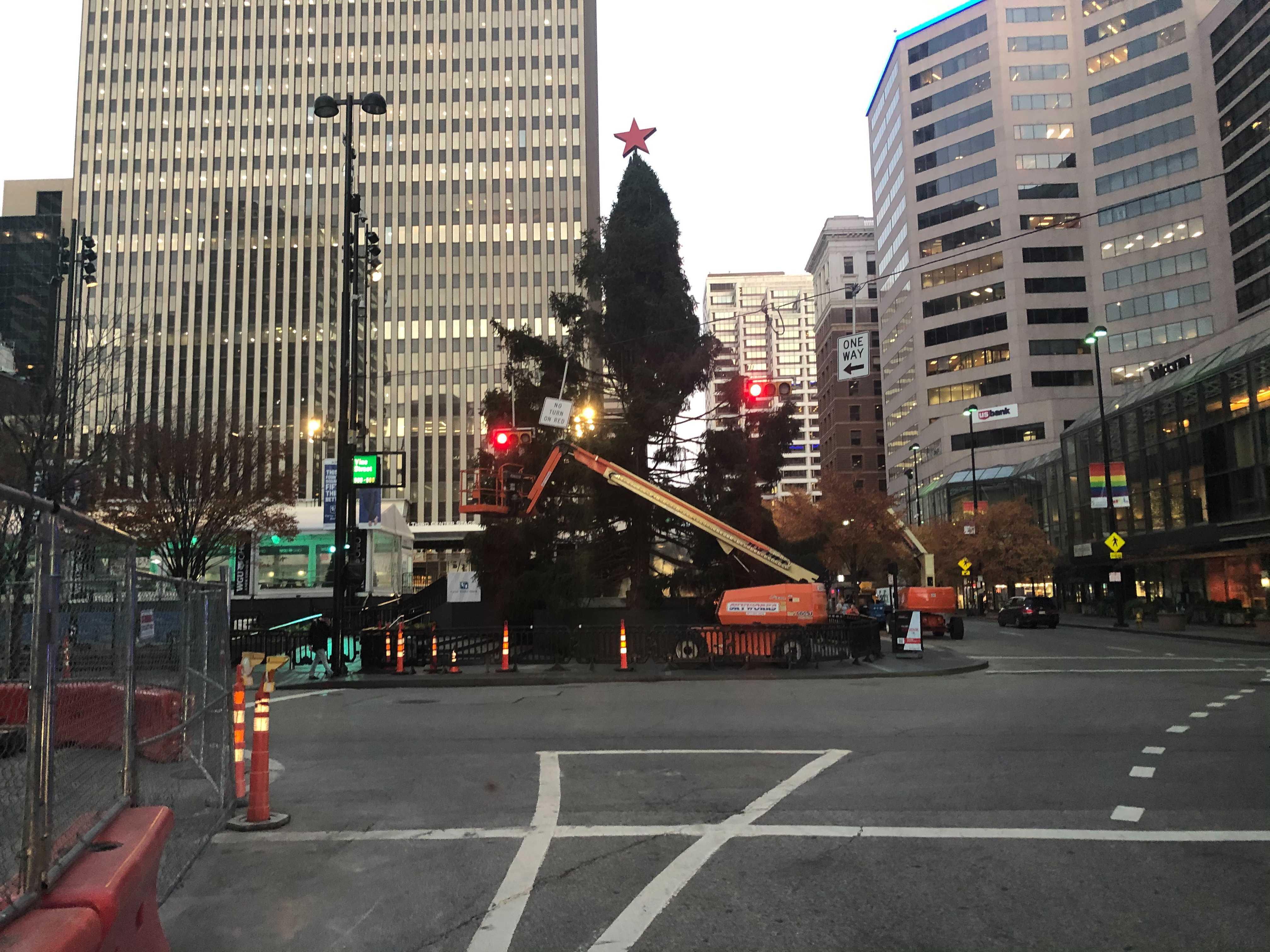 Relax, Cincinnati. The Macy's Holiday Tree on Fountain Square isn