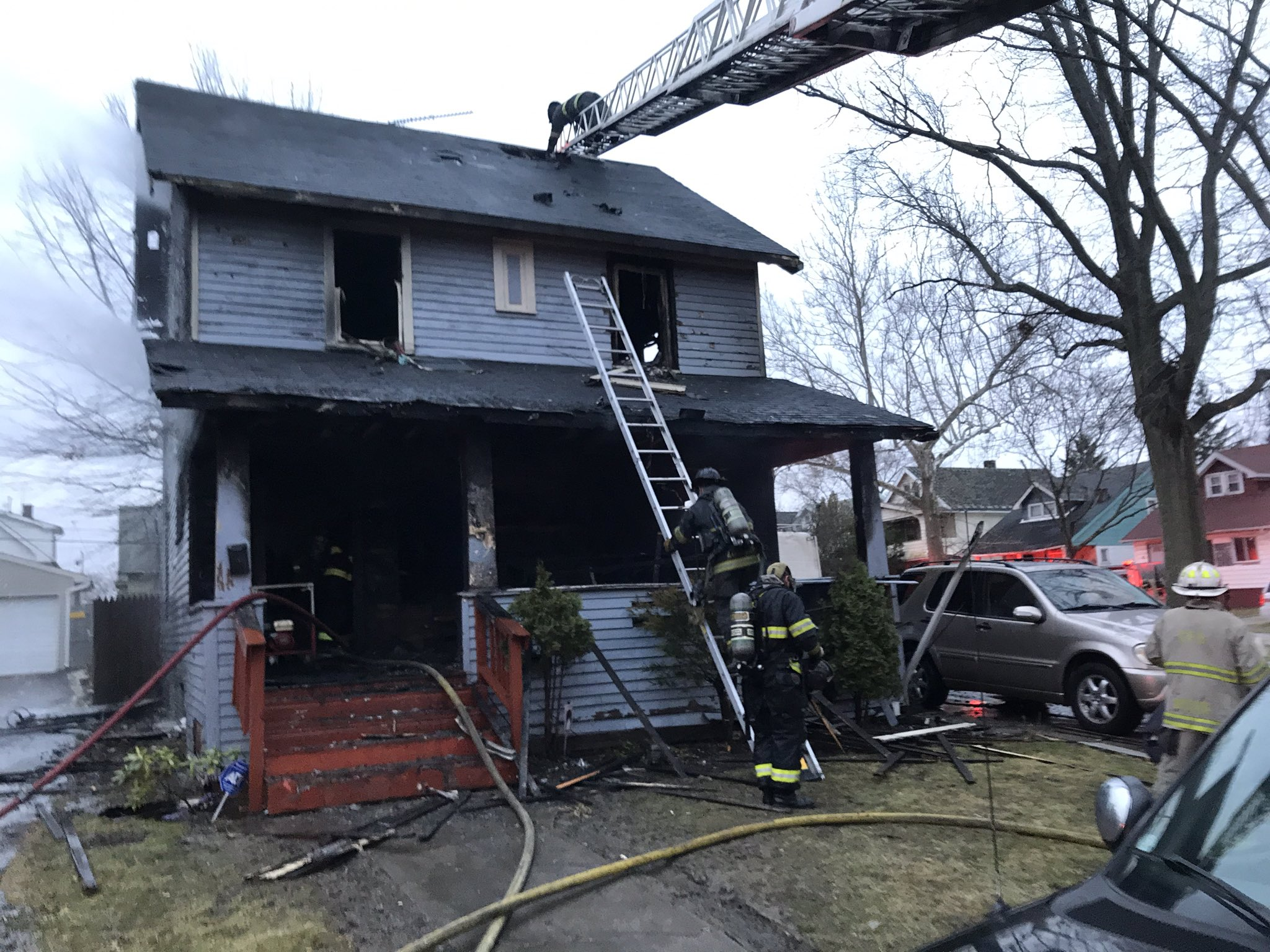 Family Dog Dies In House Fire On East 113th Street In Cleveland S Mt Pleasant Neighborhood