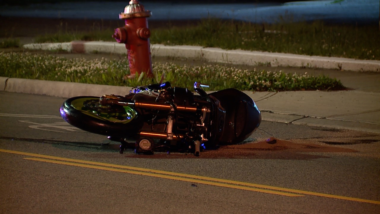 Motorcyclist dies after crashing into pole on Pearl Road in