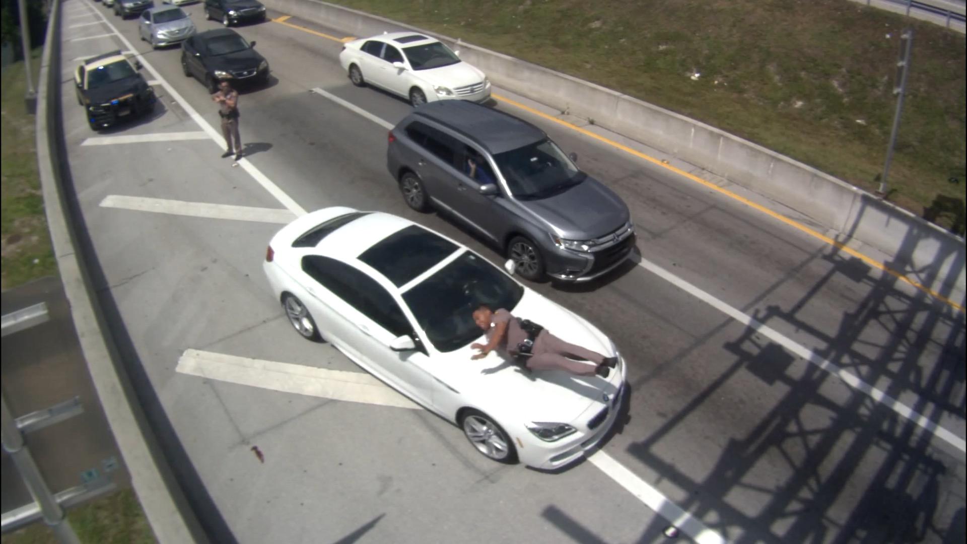 Florida Highway Patrol Traffic >> Scary Video Shows Car Striking Florida Highway Patrol Trooper And