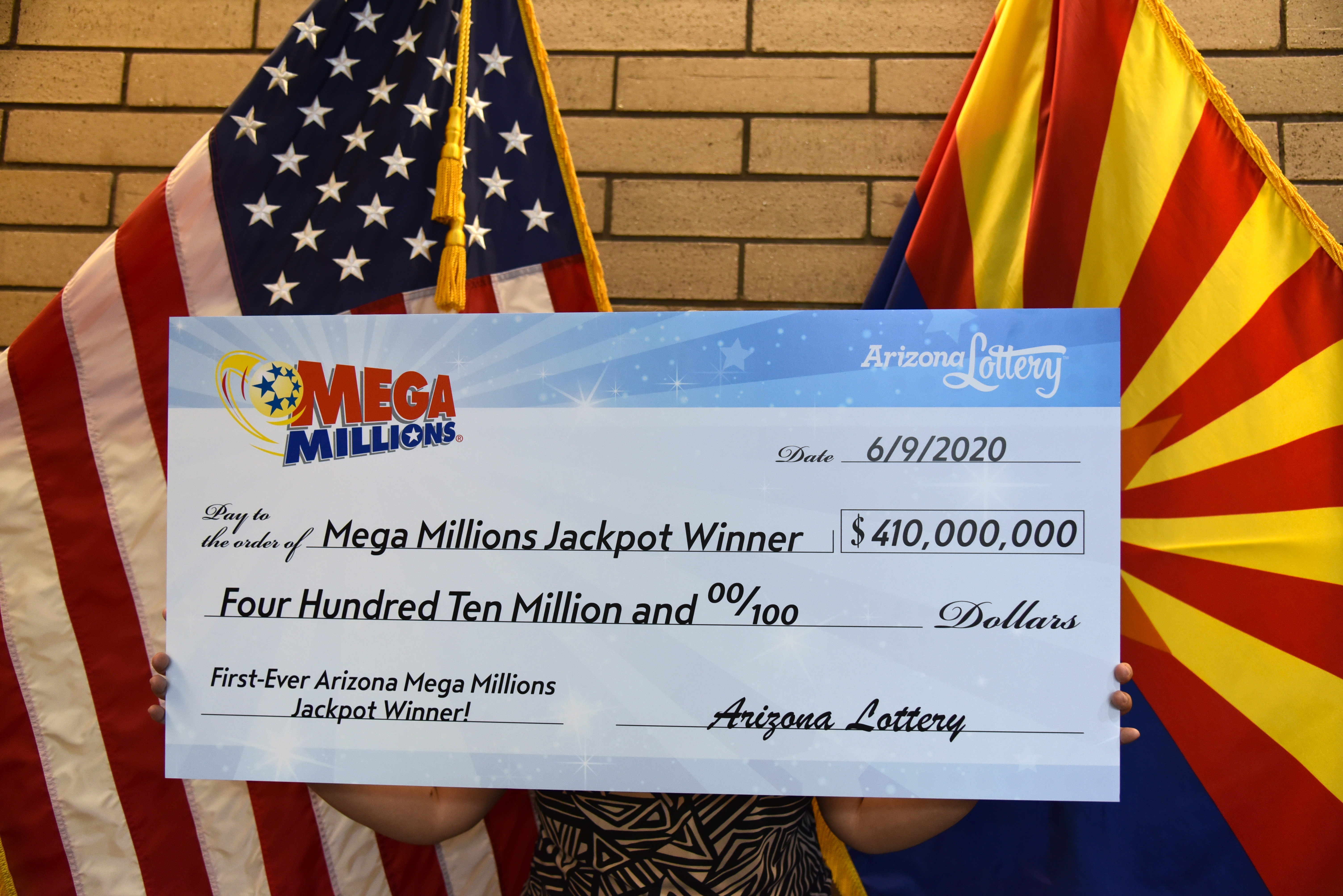 Glendale Couple Claims 410 Million Mega Millions Jackpot