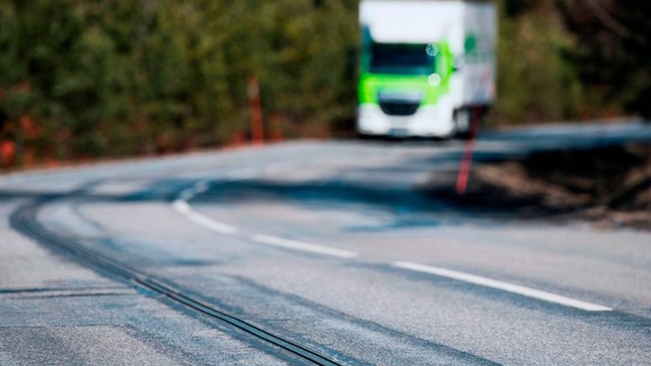 This road in Sweden charges electric cars like a slot car track