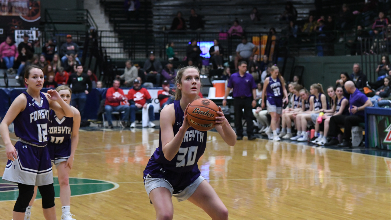 Lindsey Hein Forsyth free throw.png
