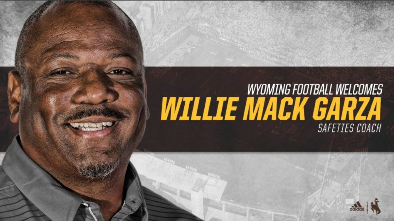 Willie Mack Garza joins Wyoming Cowboys' football staff