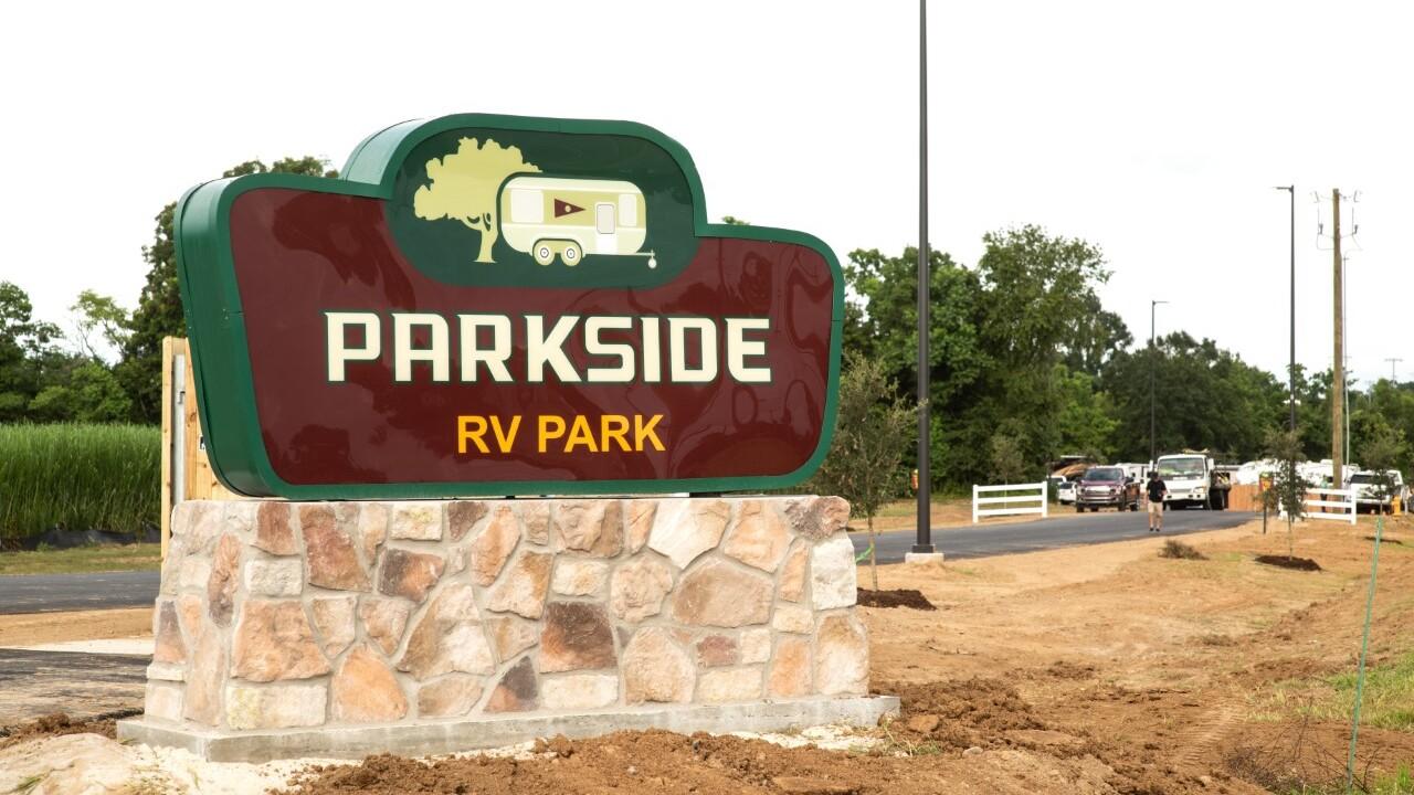 Parkside RV sign.jpg