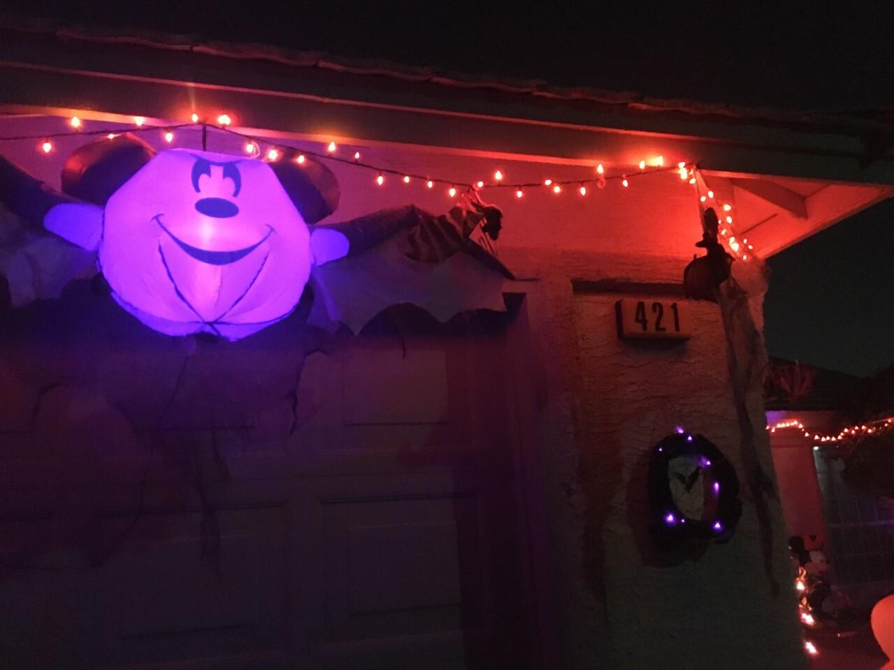 Jeter Tavares halloween houses 2.jpg