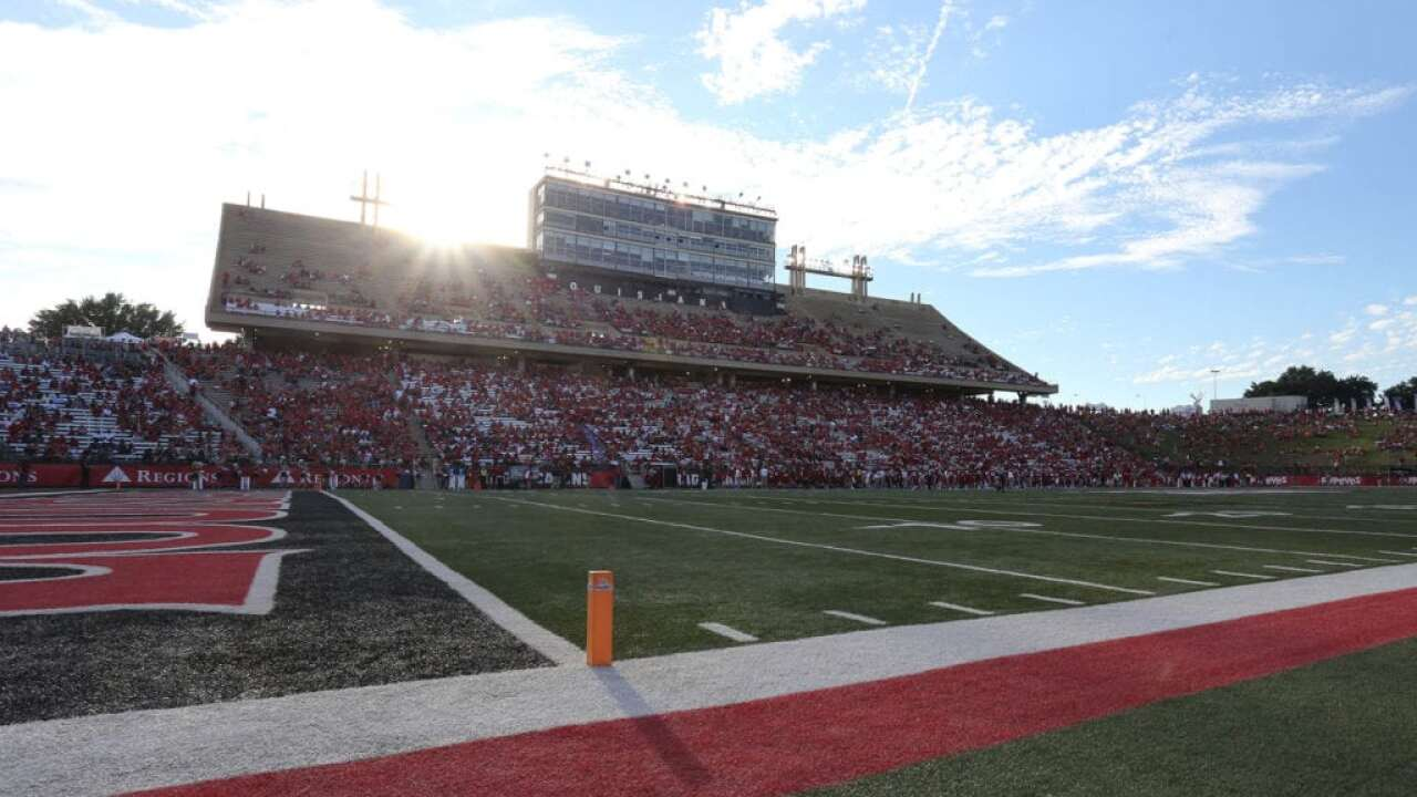 Cajun Field steps up garbage ground game with composting initiative