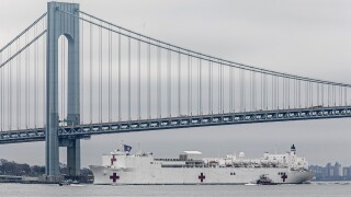 USNS Comfort verrazzano-Narrows Bridge