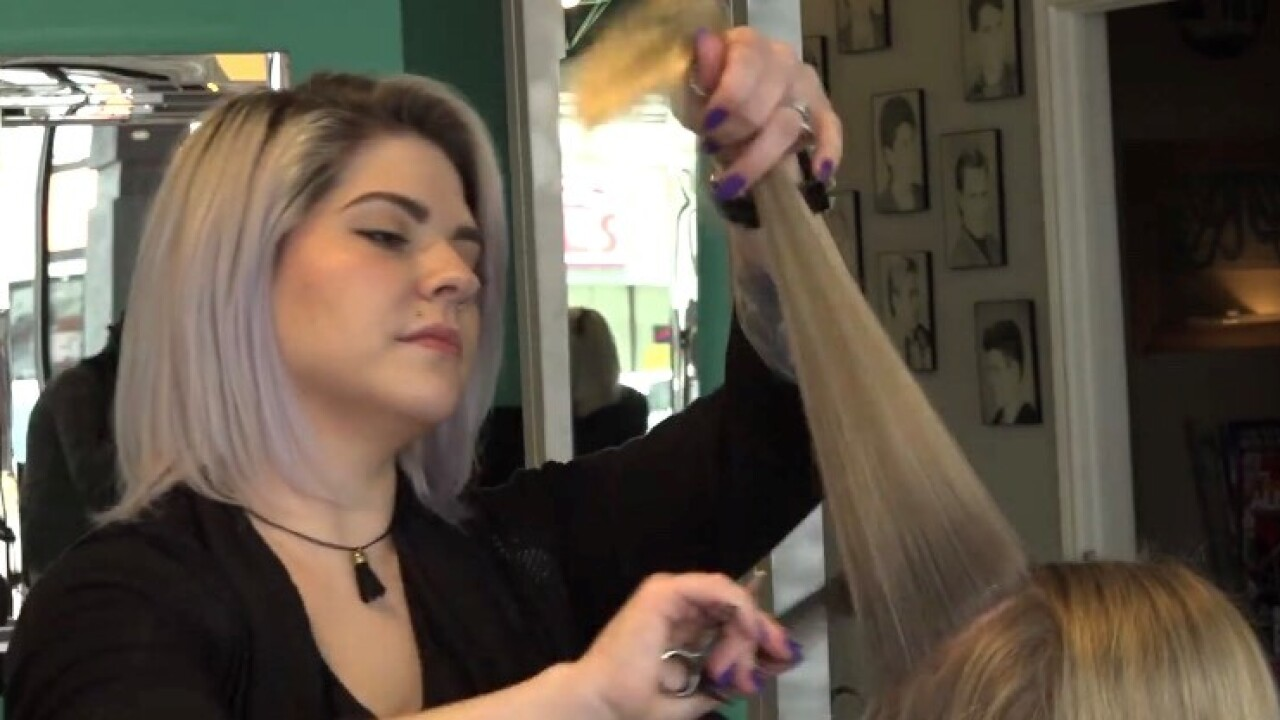Texas bill seeks to remove need for license in cosmetology