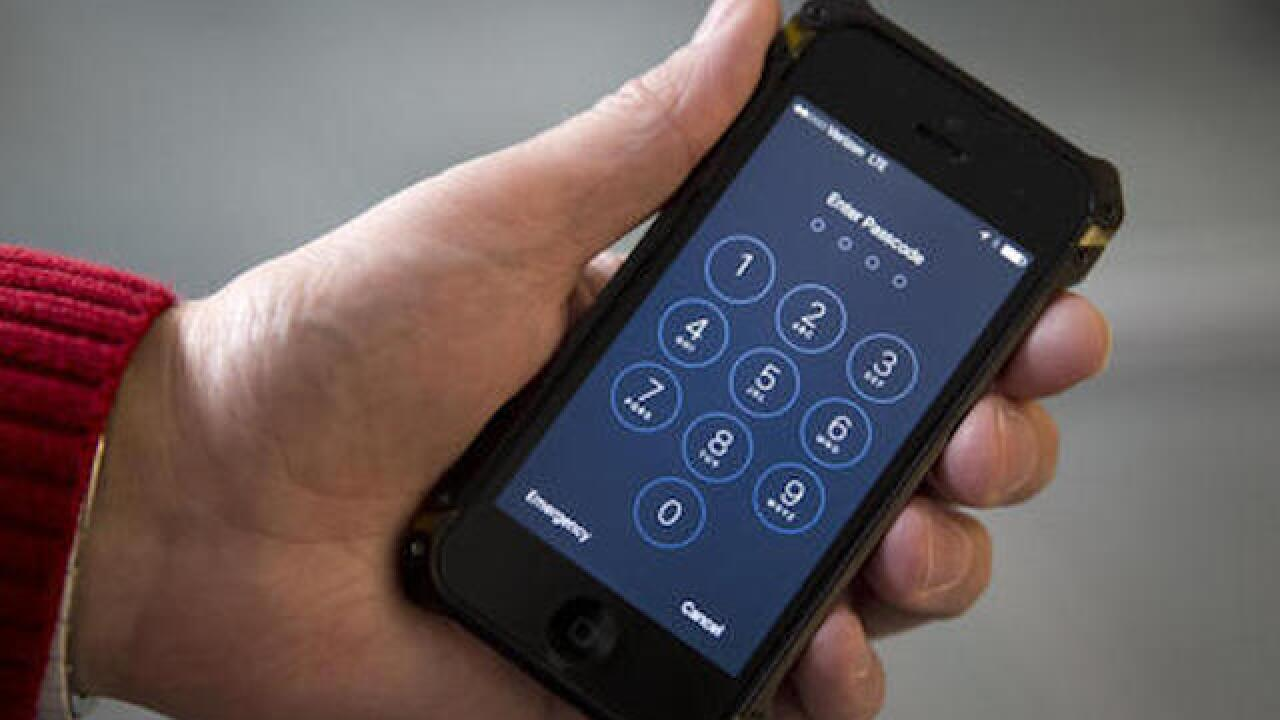 FBI discussing sharing iPhone hack with Apple
