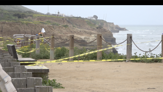 Sunset Cliffs shut down 040420