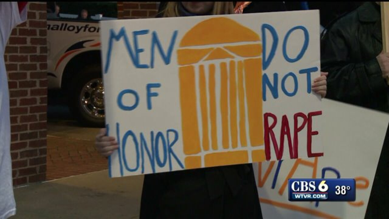 University of Virginia suspends all fraternities after rapeallegations