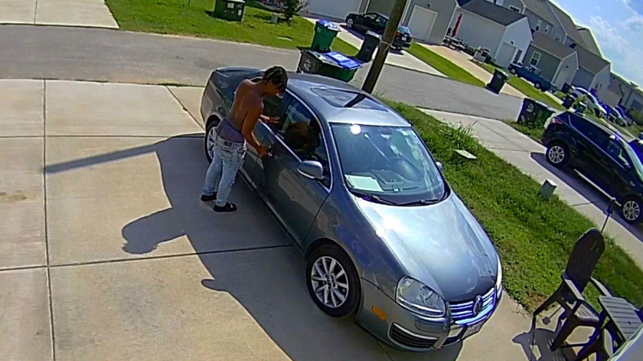 Richmond Police want to speak with 2 men captured tampering withvehicles