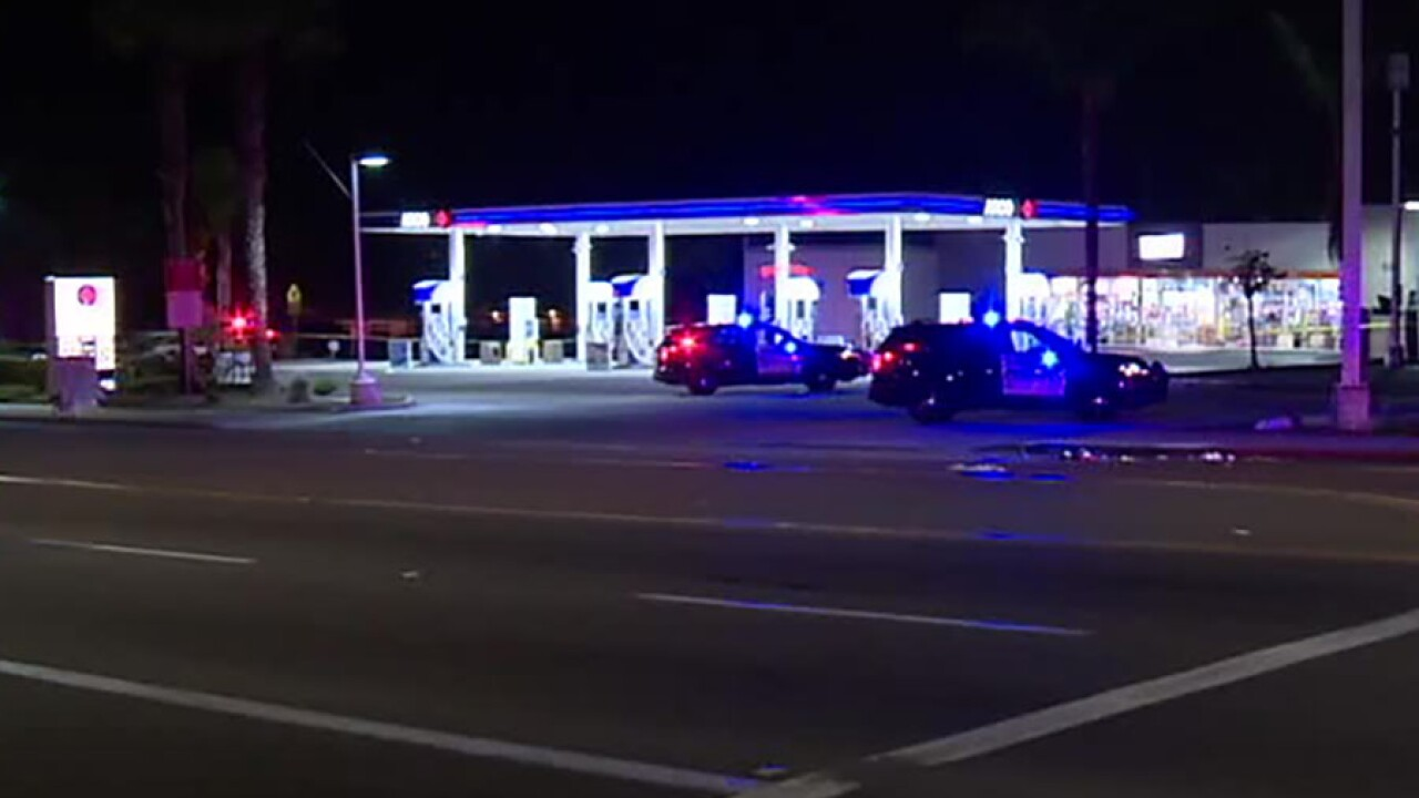 Arco Gas Station Near Me >> Man Woman Arrested In Deadly Stabbing At Carlsbad Gas Station