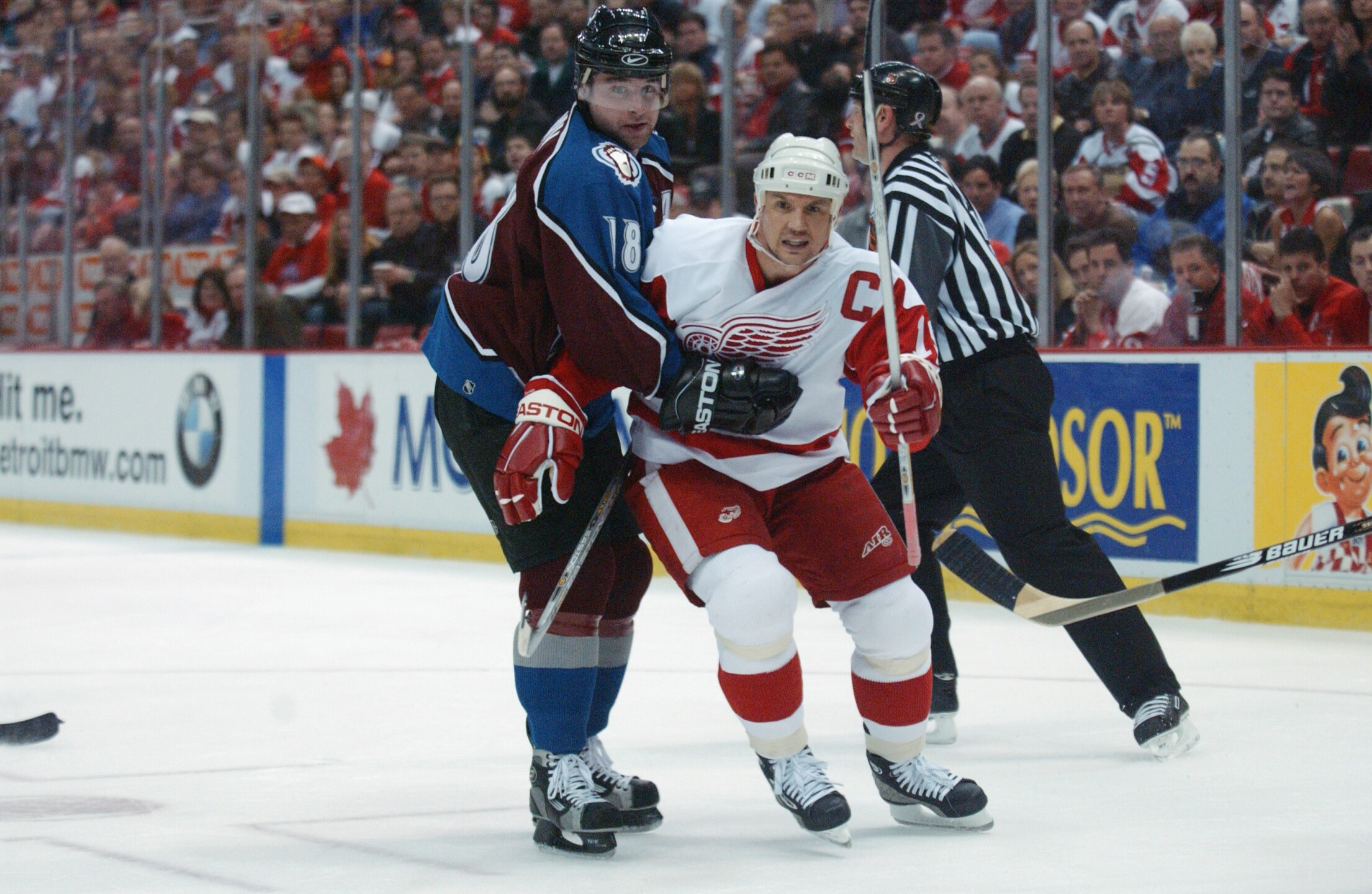 Avalanche v Red Wings
