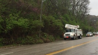Landslide closes Elberon Avenue in East Price Hill