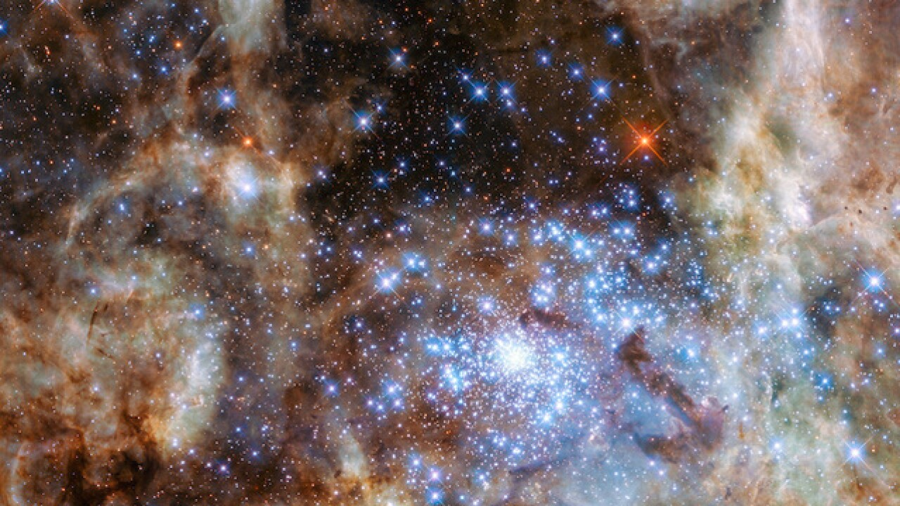 Hubble discovers incredible large stars