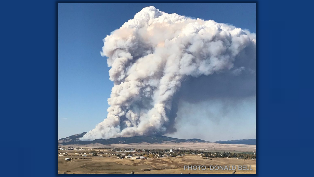 View of South Moccasin Fire, 3:25 pm, October 4, 2021
