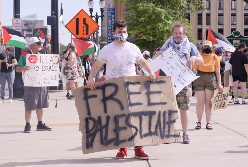 Protestors rally to support Palestine