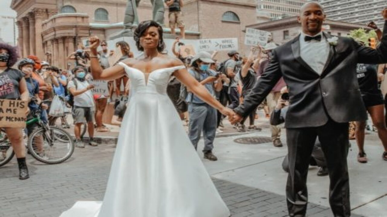 Couple Got Married During A Black Lives Matter Protest And The Photos Are Powerful