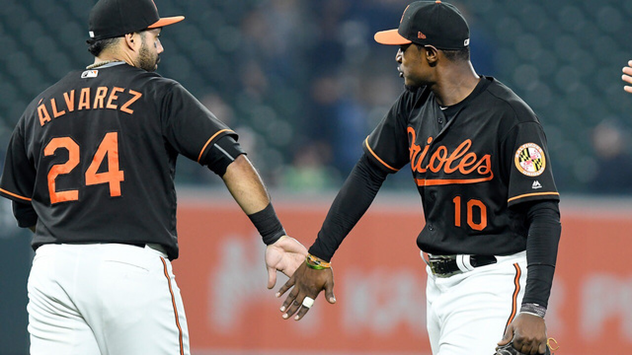 Pedro Alvarez hits 2 HRs to help Orioles beat Tigers