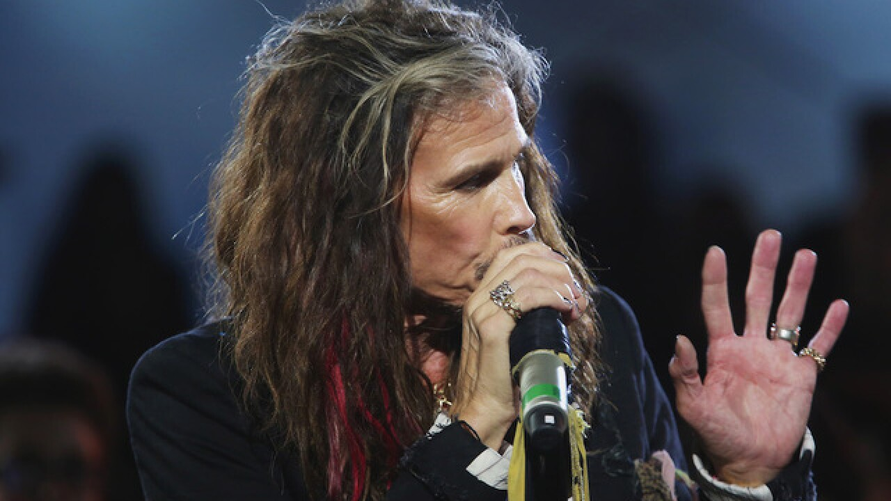 Steven Tyler says he didn't have a heart attack