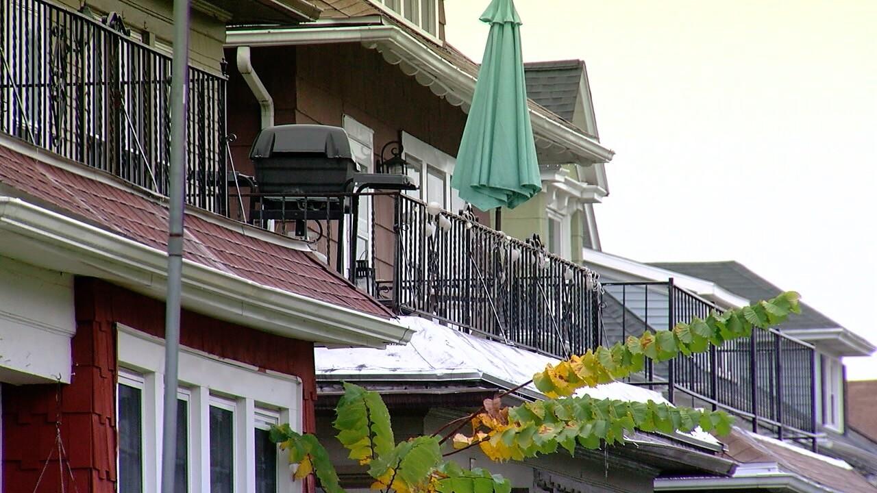 HOUSINGSTOCK3.jpg