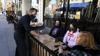 Virus Outbreak LA Restaurants.jpg