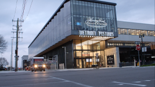 Detroit Pistons deliver 15K PPEs to Henry Ford Health System from Cleveland