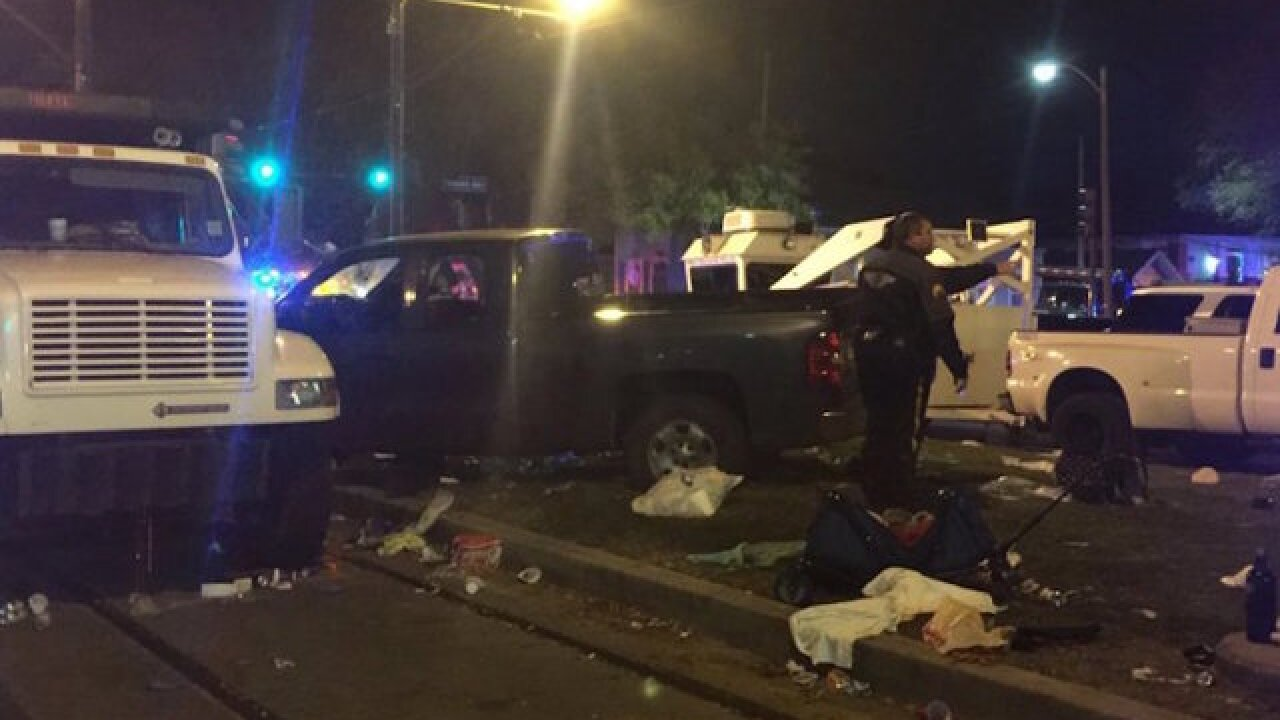 Truck rams New Orleans crowd during Mardi Gras parade; 28 injured