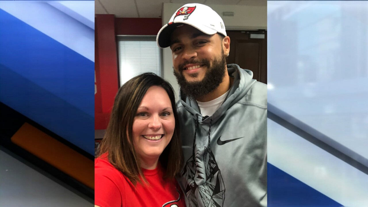 mike evans meets fan.jpg