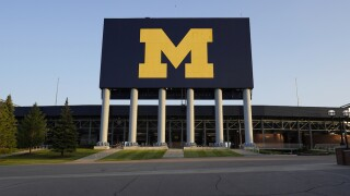 University of Michigan students hit with stay-at-home order until Election Day after surge of COVID-19 cases