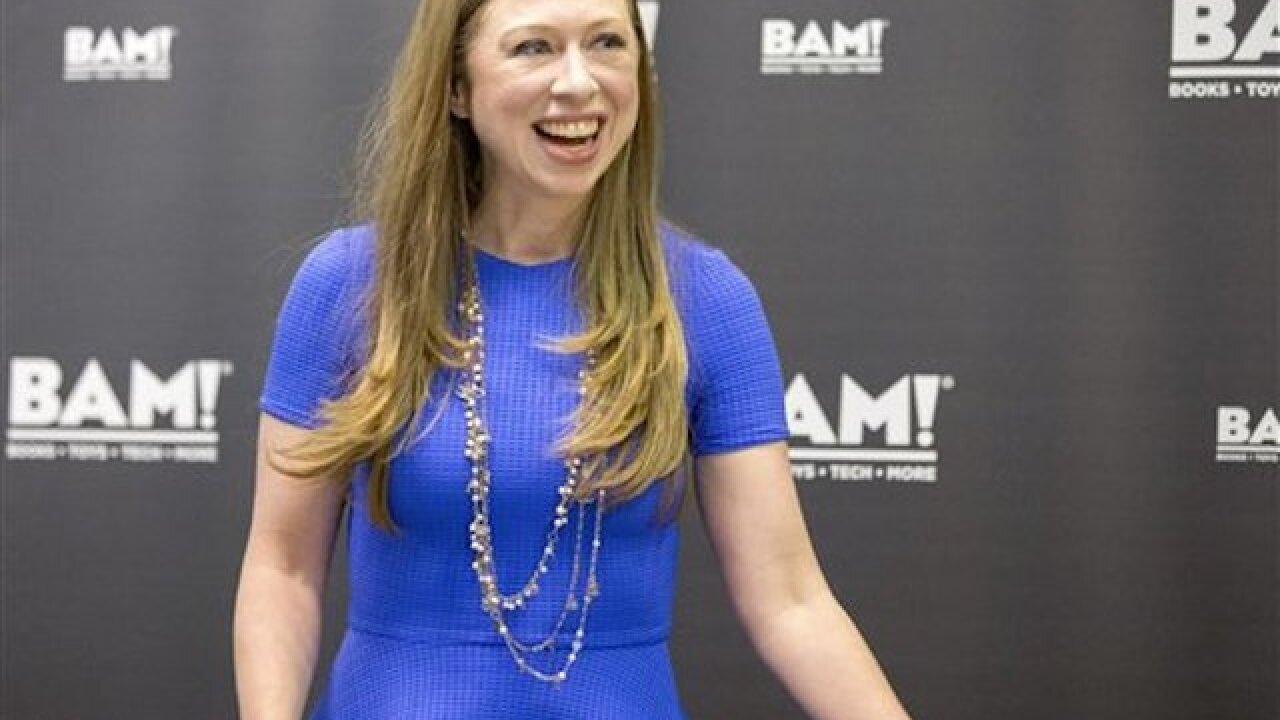 Chelsea Clinton in NH backing mom's campaign