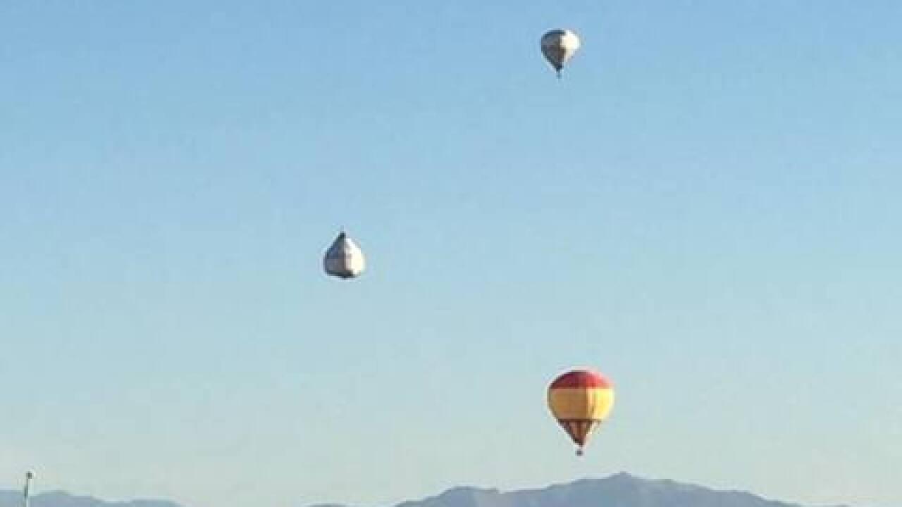 Upside-down balloon in Vegas sky grabs attention