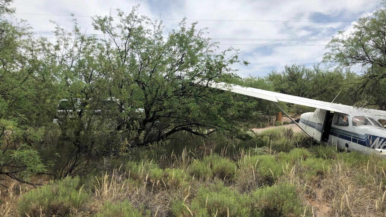 plane makes emergency landing 2