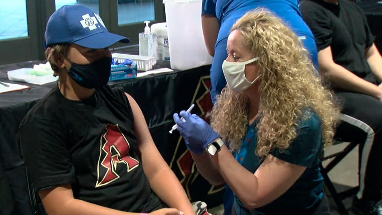 Diamondbacks hold COVID-19 vaccination event at Chase Field