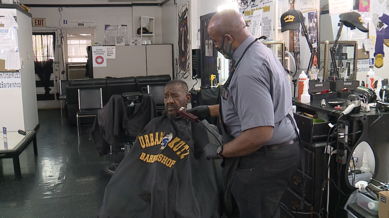 Cleveland barbershop hosting COVID-19 vaccination clinics to reach minority communities