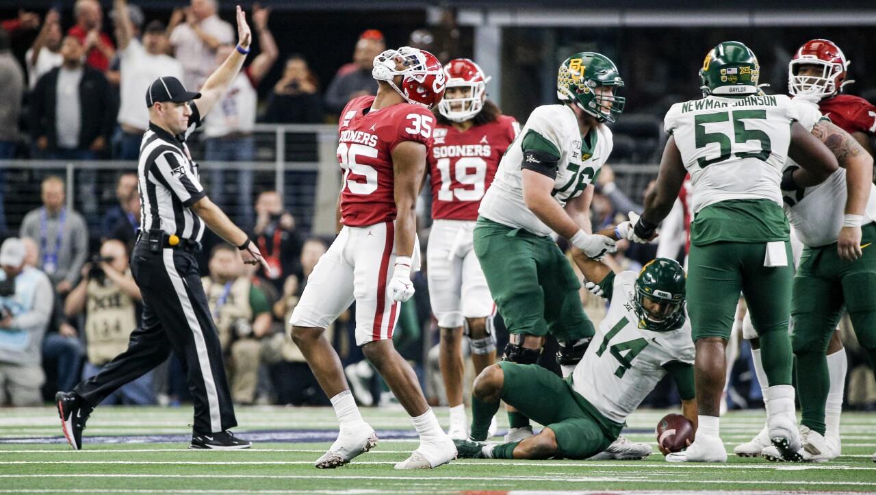 Oklahoma Sooners linebacker Nik Bonitto celebrates after sacking Baylor Bears QB Jacob Zeno in 2019 Big 12 Championship
