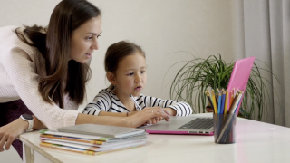 Report: Over 40% of homes in Buffalo area might not have parents to watch kids learning from home