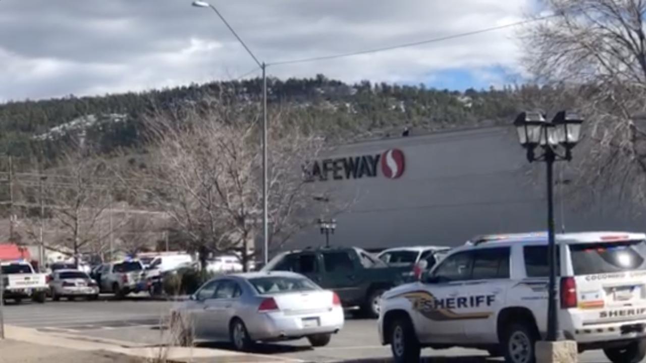KNXV Williams Safeway Armed Suspect 1-30-19