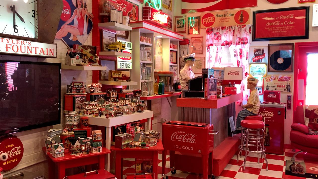 Dade City unusual home Coca Cola.png