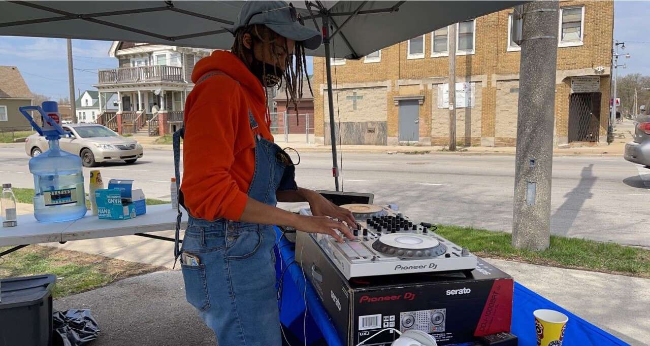 Amp the vote, jamming at the polls
