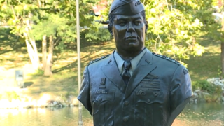 Colin Powell statue