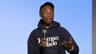 Photos: Pharrell Williams surprises students at Florida artmuseum
