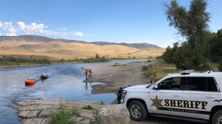 3 rescued from Missouri River after spending the night stranded
