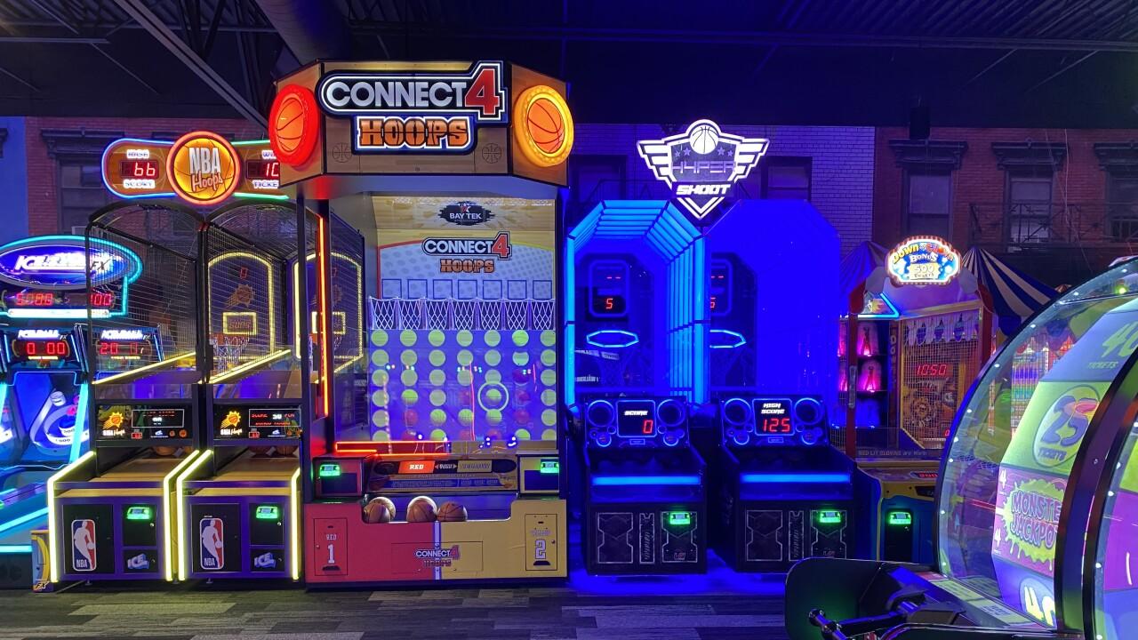 Mavrix arcade