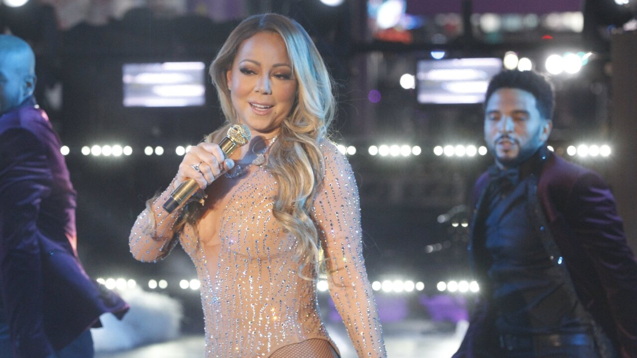 Video: Mariah Carey ends 2016 on a rough note, walks off stage after technical snag