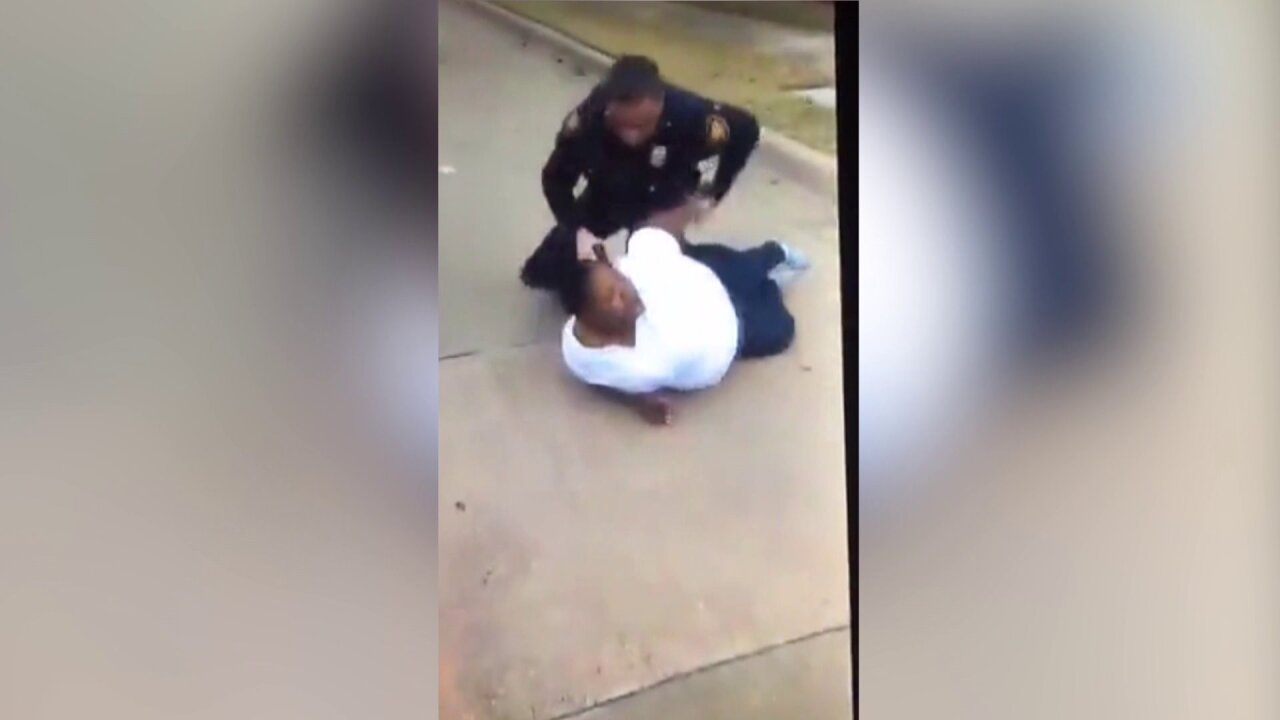 Texas police investigate arrest of women caught on video