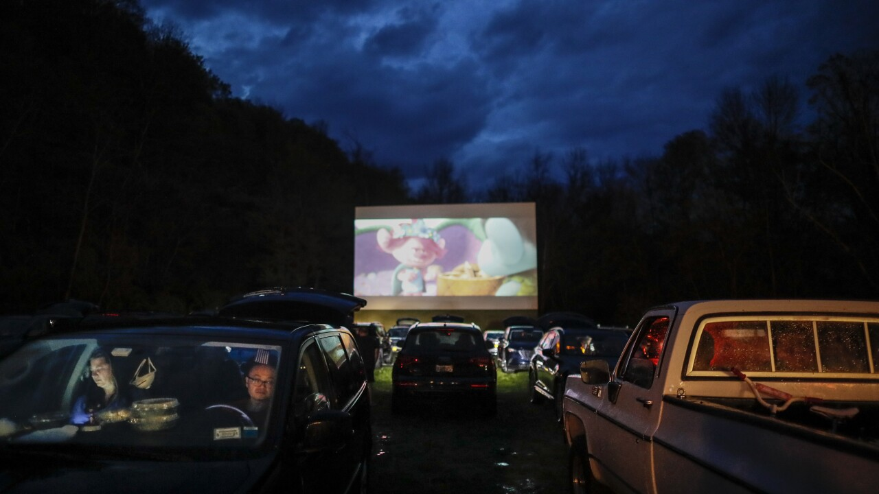 Drive In Theaters In Ny Where To Catch A Movie This Summer